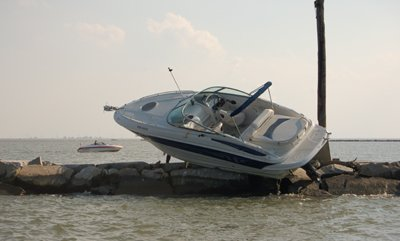 10-06-08-Turner-boat-accident-small.jpg