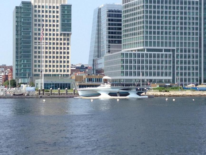 spaceship boat 2.jpg