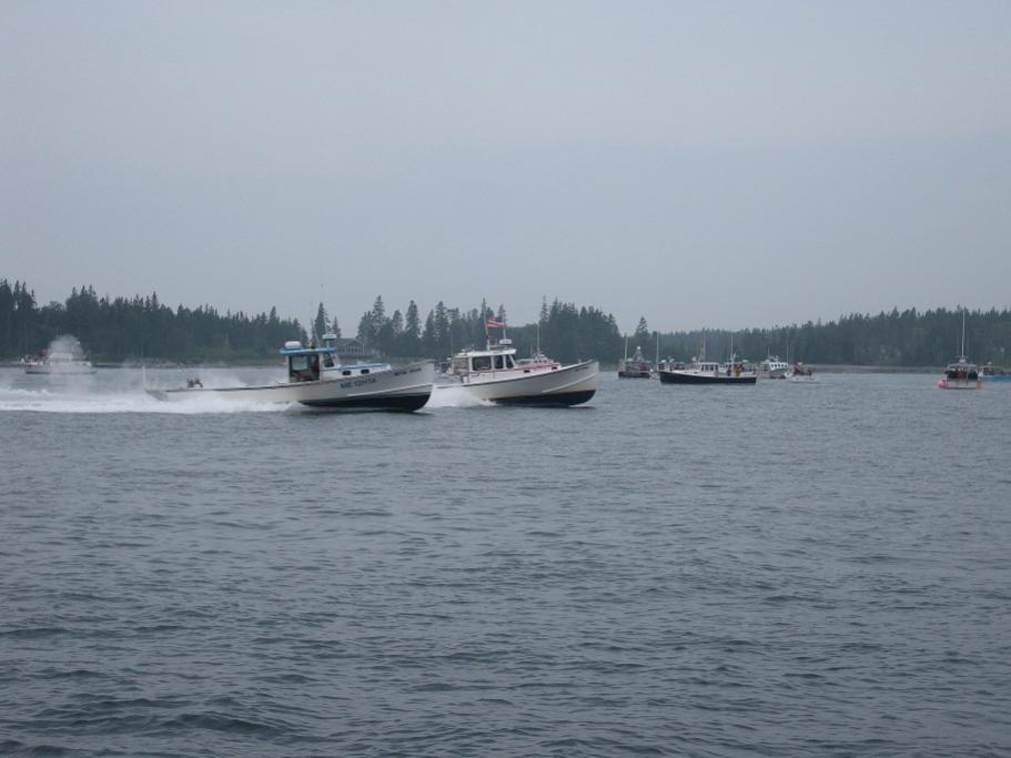 32' Mitchell Cove hull race.jpg