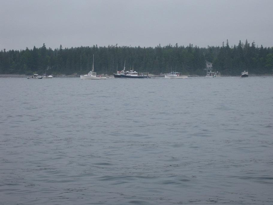 Family Tradition 42' H&H and 38' H&H tied up along side.jpg
