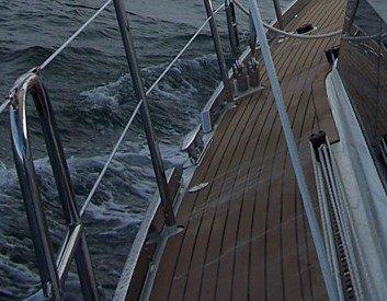 stainless steel toe rail.jpg