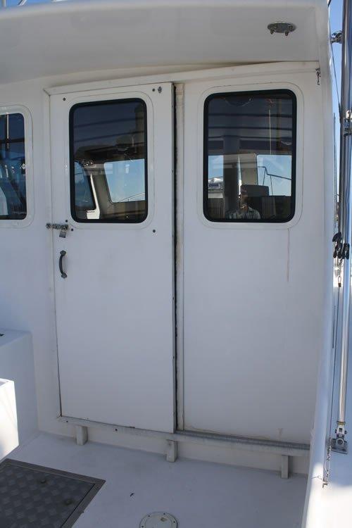 boat_door3.jpg